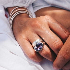 Silver Amethyst Treasure Ring detailed