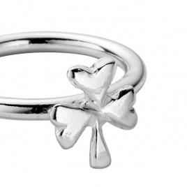 Silver Love Struck Baby Shamrock Ring detailed