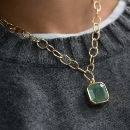 ELPIDA Emerald Gold Necklace detailed