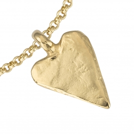 Gold Medium Heart Chain Bracelet detailed
