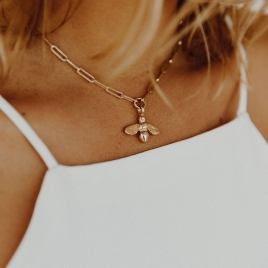 Gold Large Honey Bee Trace Chain Necklace detailed