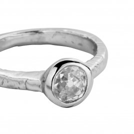 Platinum Grace Goddess Ring detailed