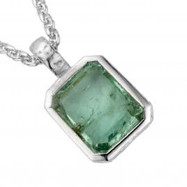 KAMAKOU Silver Emerald Necklace detailed