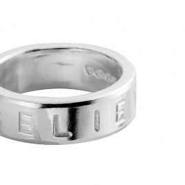 Silver Maxi Signature Ring detailed