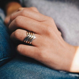 Platinum Ladies Wishbone Wedding Band detailed