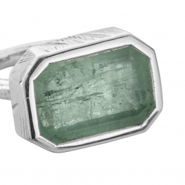 SIERRA Silver Emerald Ring detailed