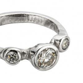 Cinderella Platinum Trio Diamond Ring detailed