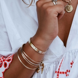 Gold Maxi Angel Wing Bangle detailed