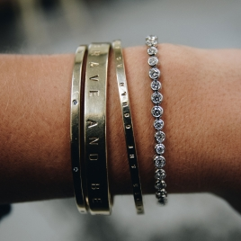 White Gold Diamond Tennis Bracelet  detailed