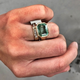 AEGEUS Gold Emerald Ring detailed