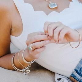 Gold Mini Open Heart Chain Bracelet detailed