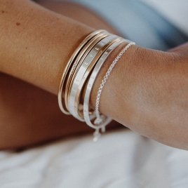 Gold Diamond Dream Bangle detailed