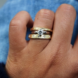Gold 5 Diamond Midi Posey Ring detailed