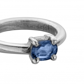 LAKA Silver Blue Sapphire Claw Ring detailed
