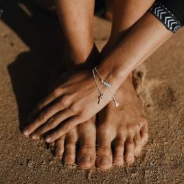 Silver Mini Feather Chain Bracelet detailed
