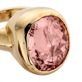 ROSEA Gold Morganite Ring detailed