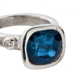 ADELAIDE Silver Blue Sapphire & Diamond Ring detailed
