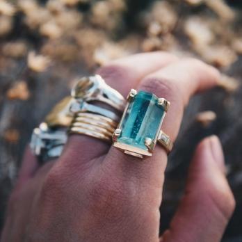 AETHRA Aquamarine & Diamond Gold Claw Ring detailed