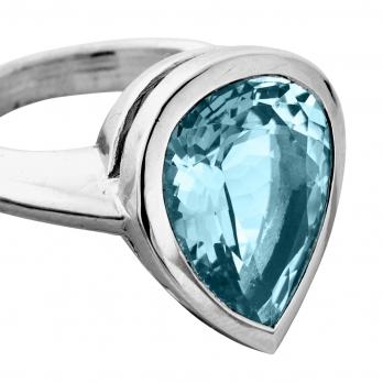 ALDA White Gold Pear Aquamarine Ring detailed