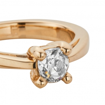 ANTOINETTE Gold Diamond Claw Ring detailed