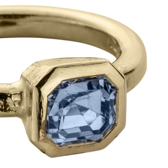 ATABEY Gold Blue Sapphire Ring detailed
