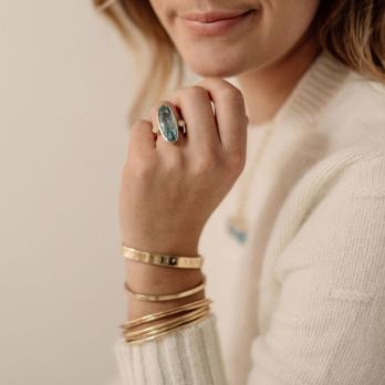 EROS Gold Aquamarine & Diamond Ring detailed