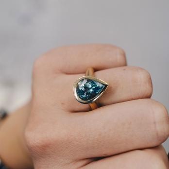 KEISARI Gold Pear Aquamarine Ring detailed