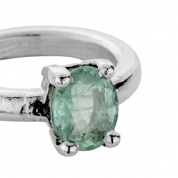 ORNA Silver Emerald Claw Ring detailed