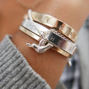 Silver Mini Turtle Dove Chain Bracelet detailed