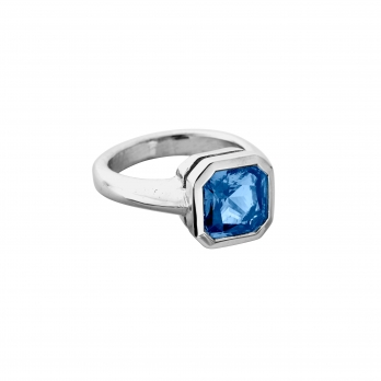 RUM White Gold Square Blue Sapphire Ring