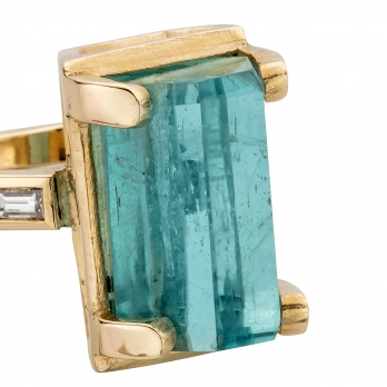 AETHRA Aquamarine & Diamond Gold Claw Ring detailed