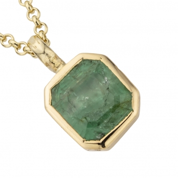 ALAMEDA Gold Emerald Necklace detailed