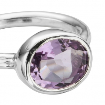 Silver Amethyst Baby Treasure Ring detailed