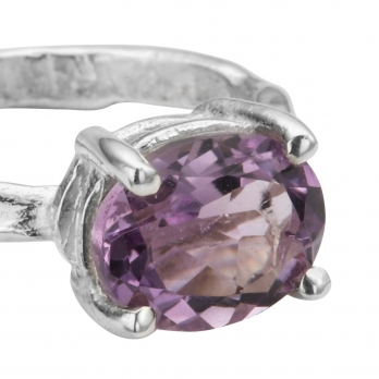 Silver Amethyst Claw Ring detailed