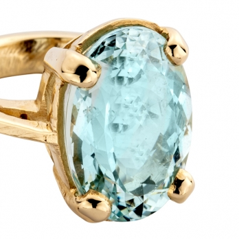 APOLLO Aquamarine Gold Claw Ring detailed
