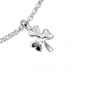 Silver Baby Shamrock Chain Bracelet detailed