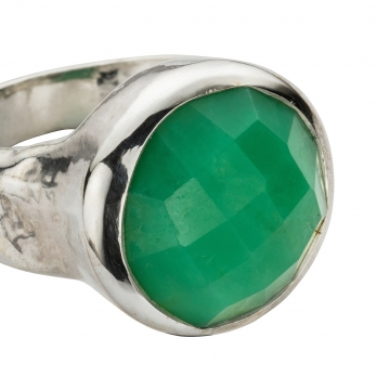 Silver Chrysoprase Mood Ring detailed