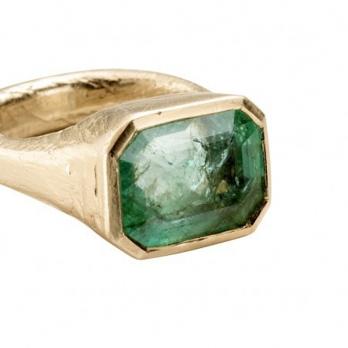 AEGEUS Gold Emerald Ring detailed