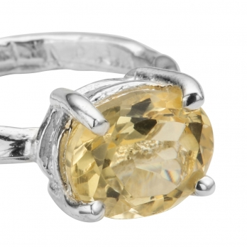 Silver Citrine Claw Ring detailed