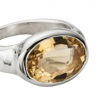 Silver Citrine Treasure Ring detailed