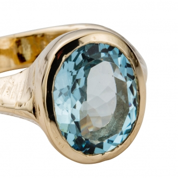 COSIMA Aquamarine Gold Ring detailed