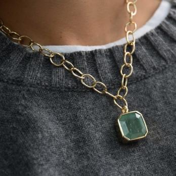 ELPIDA Emerald Gold Necklace detailed