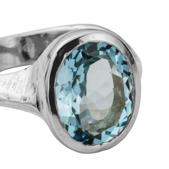 EOS Aquamarine Silver Ring detailed