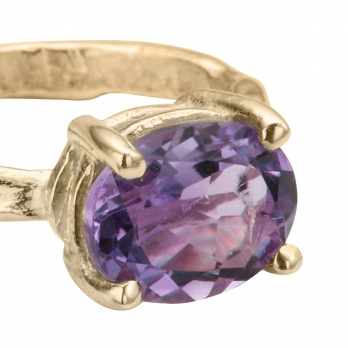 Gold Amethyst Claw Ring detailed