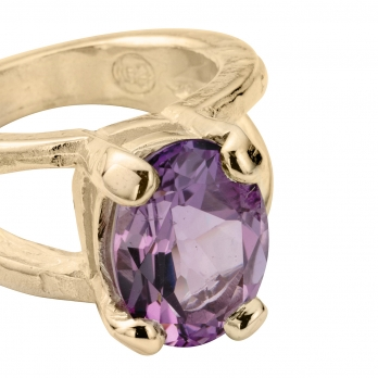 Gold Amethyst Maxi Claw Ring detailed