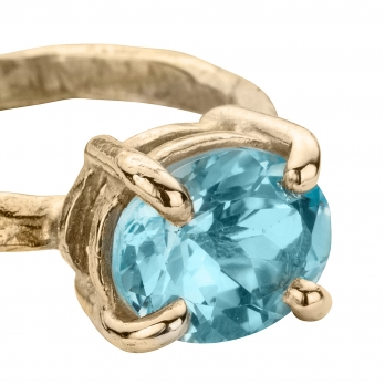 Gold Blue Topaz Claw Ring detailed