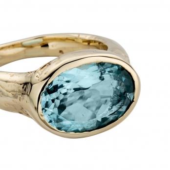 Gold Blue Topaz Treasure Ring detailed