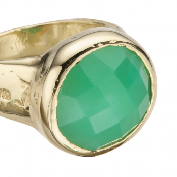 Gold Chrysoprase Mood Ring detailed