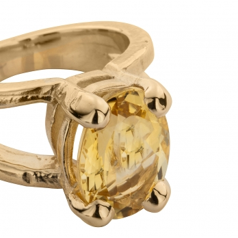 Gold Citrine Maxi Claw Ring detailed