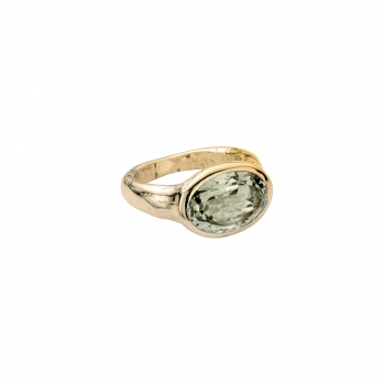 Gold Green Quartz Treasure Ring